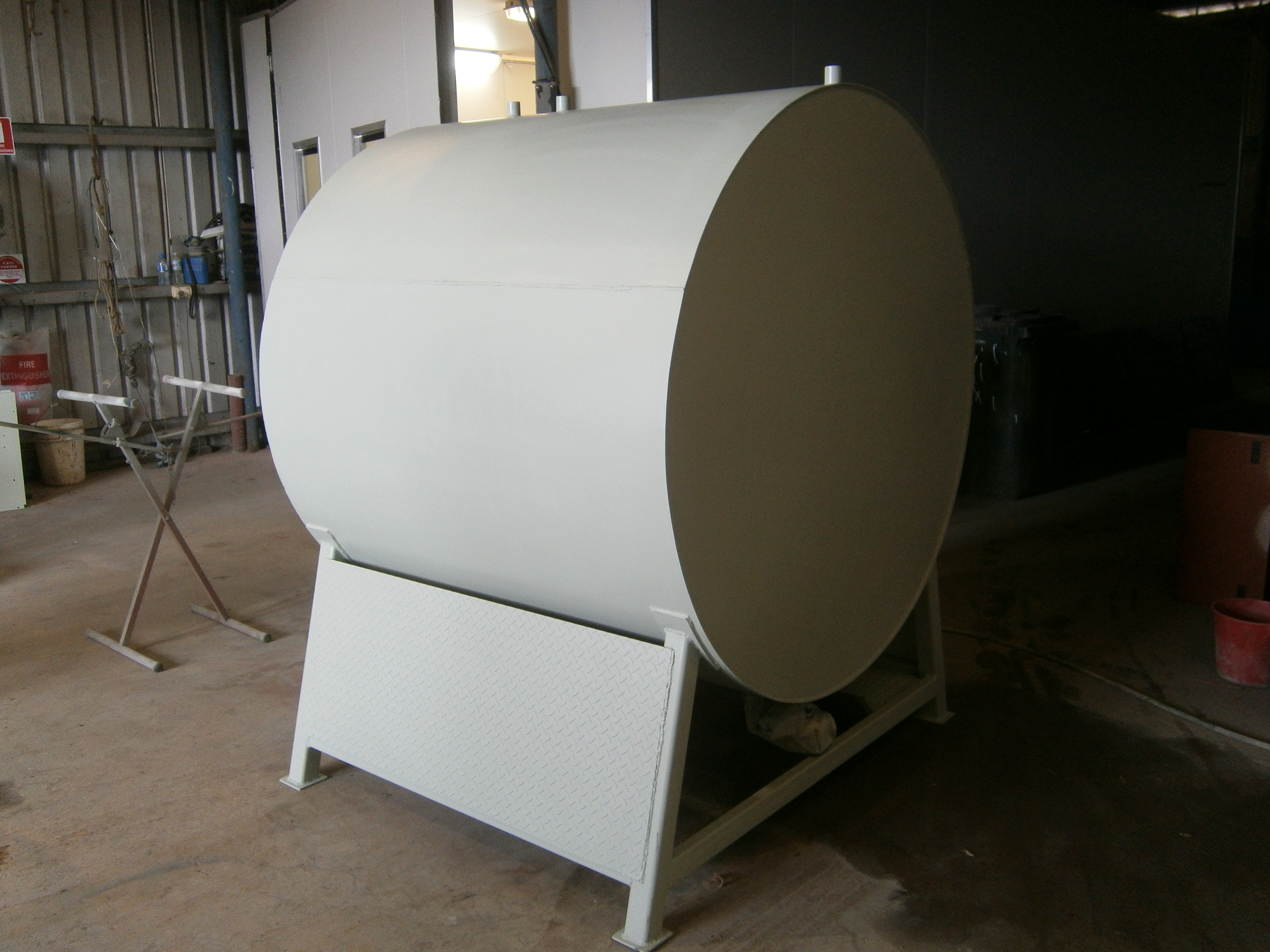 Waste oil tank - before